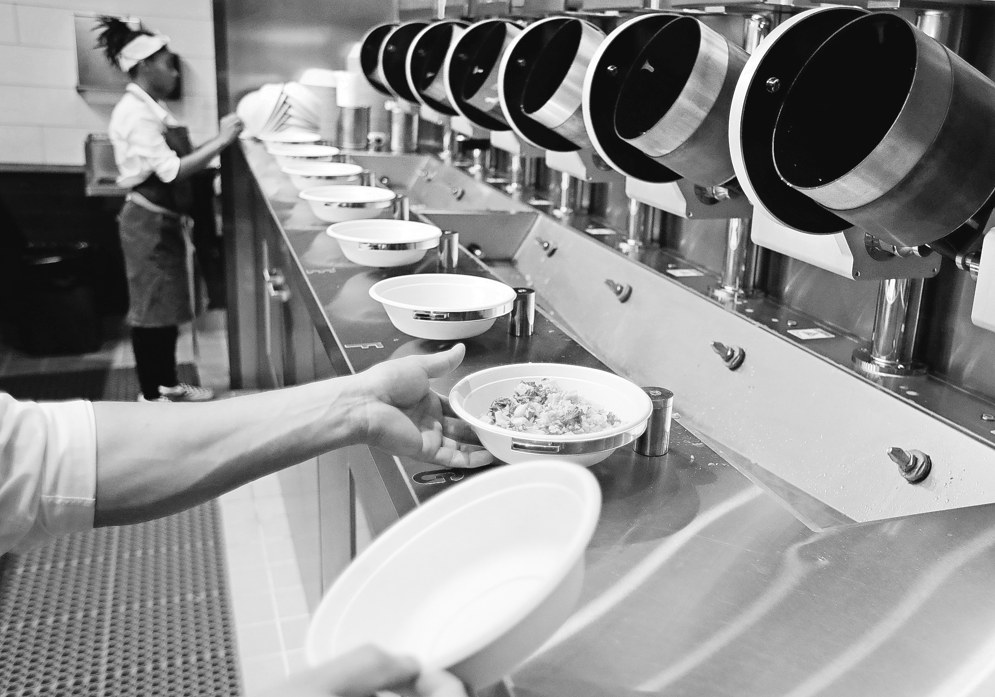 Robot fast-food chefs: Hype or a sign of industry change? – Aruba Today
